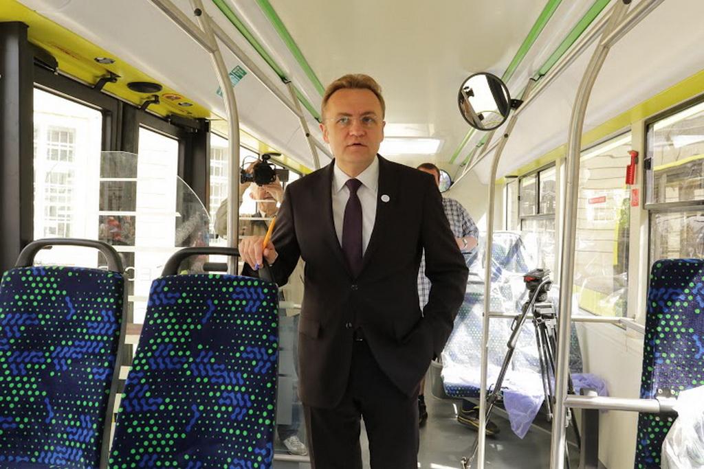 Мэр Львова Андрей Садовой на презентации автобусов «Электрон»
