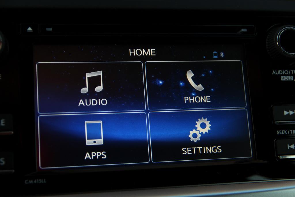 К сожалению, в нашей стране обновленные машины уже не предлагают навигационную систему.
