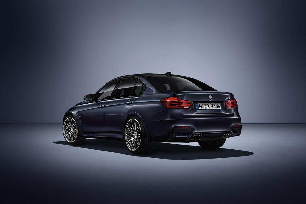 BMW M3 «30 Years M3» вид сзади