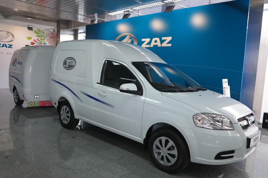 ZAZ VIDA фургон дебютировал на газе – и с емким прицепом (+ВИДЕО)