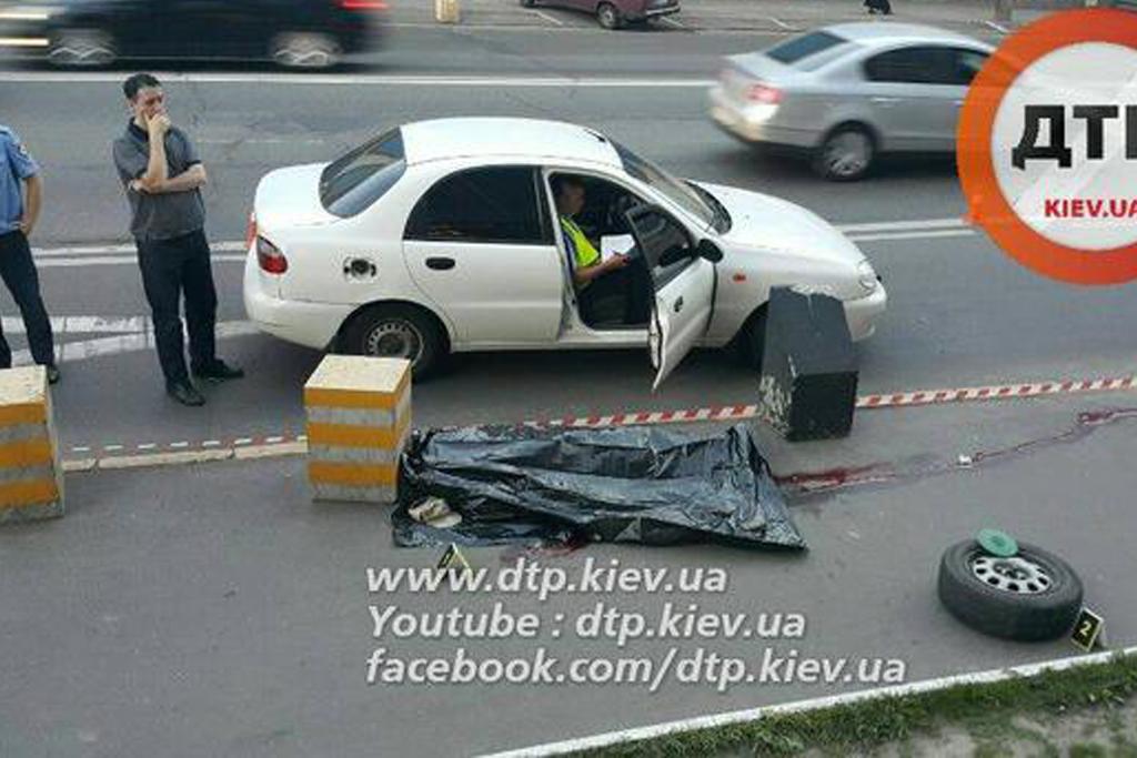 В Киеве колесо, оторвавшееся от авто, убило человека