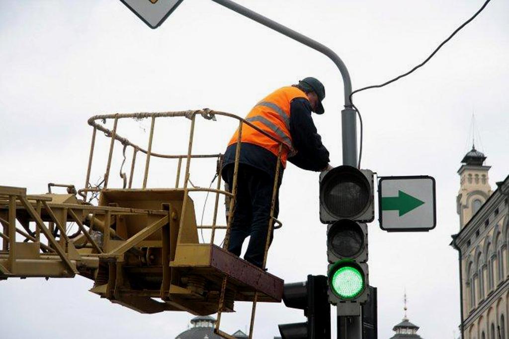 В Киеве появились новые светофоры и пешеходные переходы
