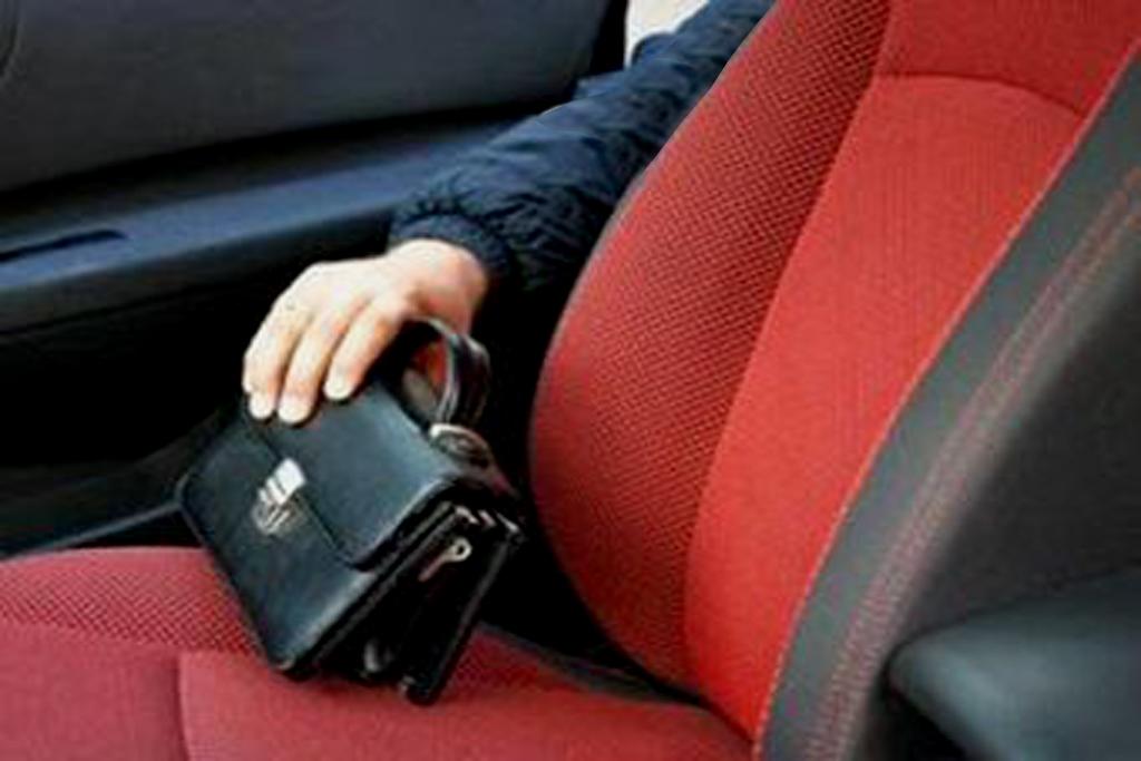 полицейский бессовестно обокрал водителя