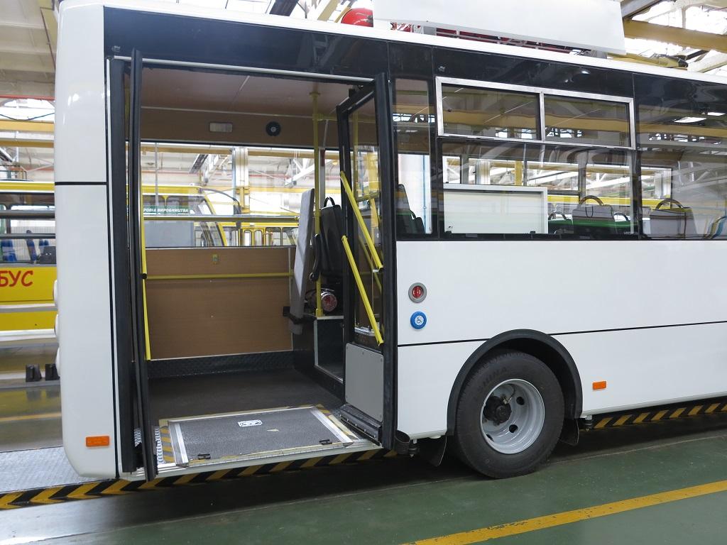 Автобусы Богдан соотвествуют правилам ЕЭК ООН 107 по перевозке людей с ограниченными возможностями