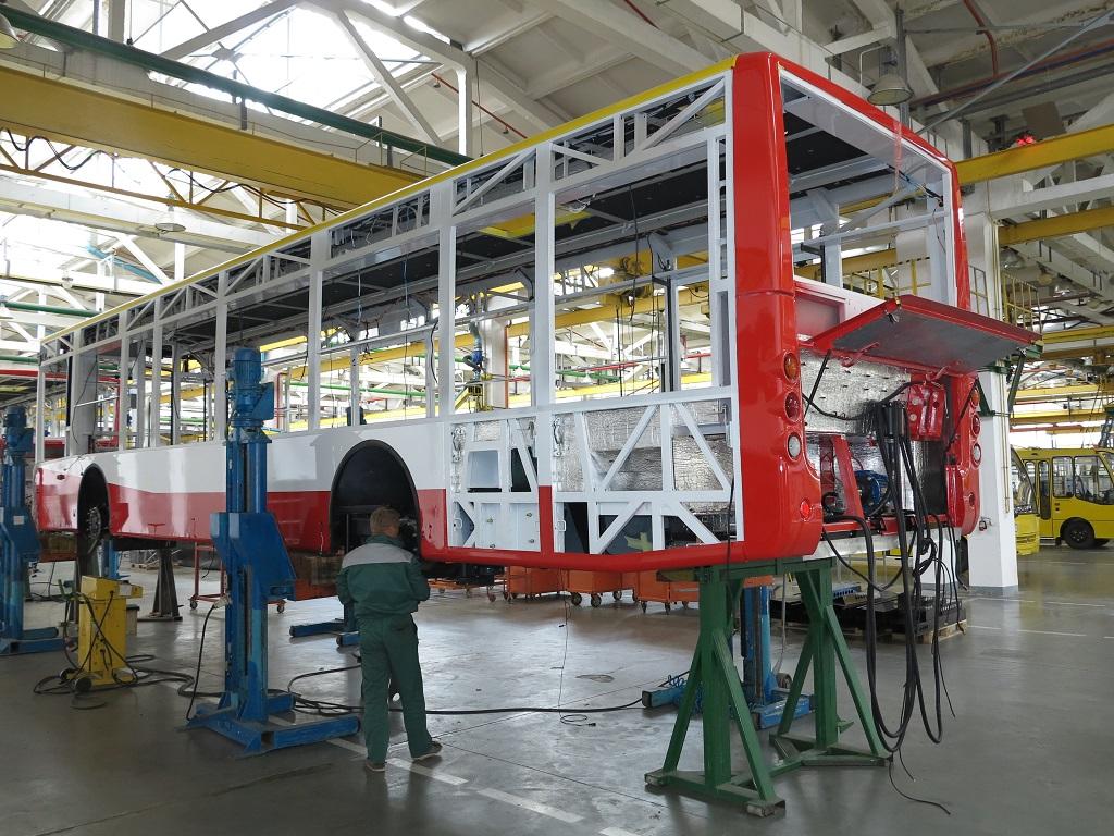На стапелях - троллейбус Богдан Т701