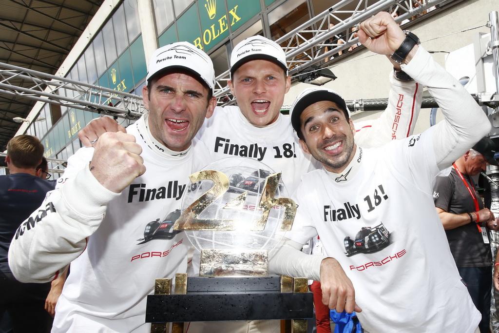 Porsche Team: Romain Dumas, Marc Lieb, Neel Jani (l-r)