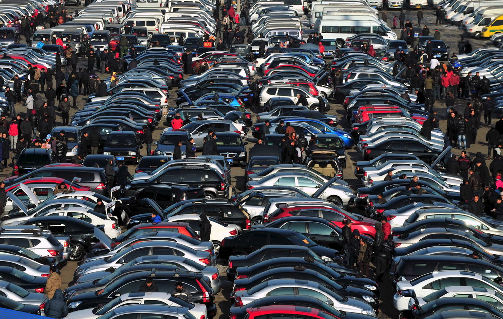 Процедуру купли-продажи б/у автомобилей в Украине хотят упростить