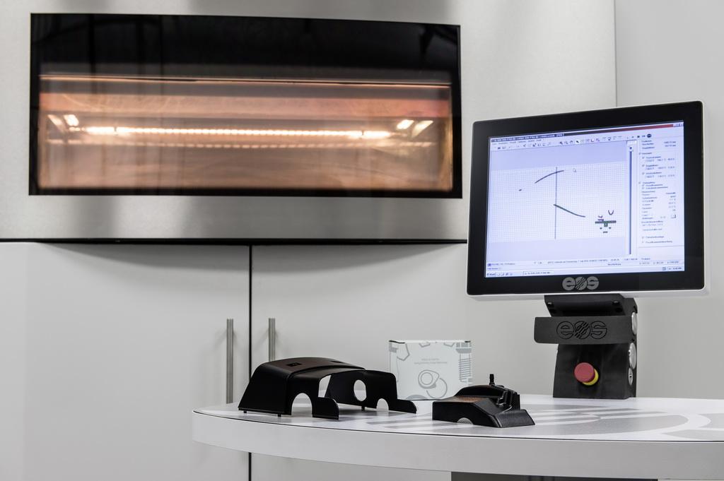 Запчасти Mercedes-Benz начали выпускать на 3D-принтере