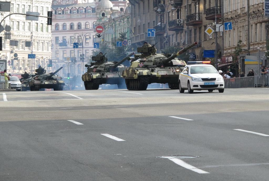 Минобороны опровергло обвинение КК «Киевавтодор» в разрушении асфальта танками