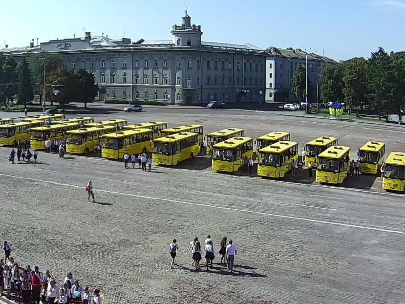 На Чернігівщині побільшало шкільних автобусів