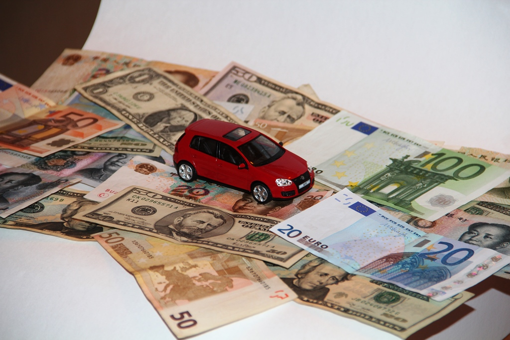 car_and_money