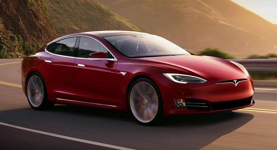 Автопилот Tesla научился превышать скорость