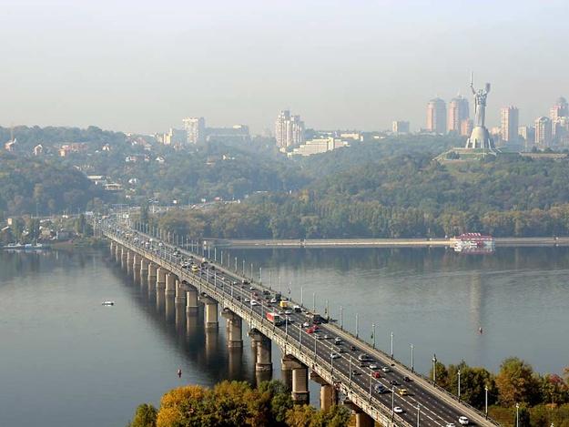 Ремонт моста Патона в Киеве. Движение ограничат до конца октября