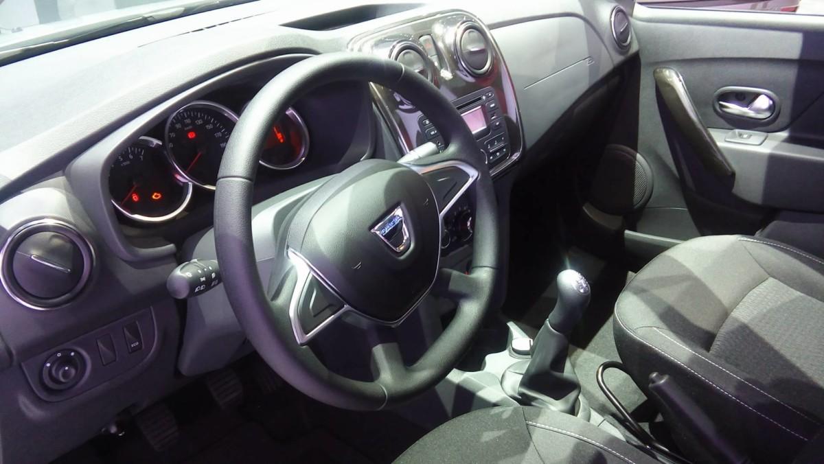 Новые Renault Logan и Sandero впервые показали в Париже