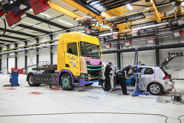 Scania подвергла грузовики невероятным краш-тестам