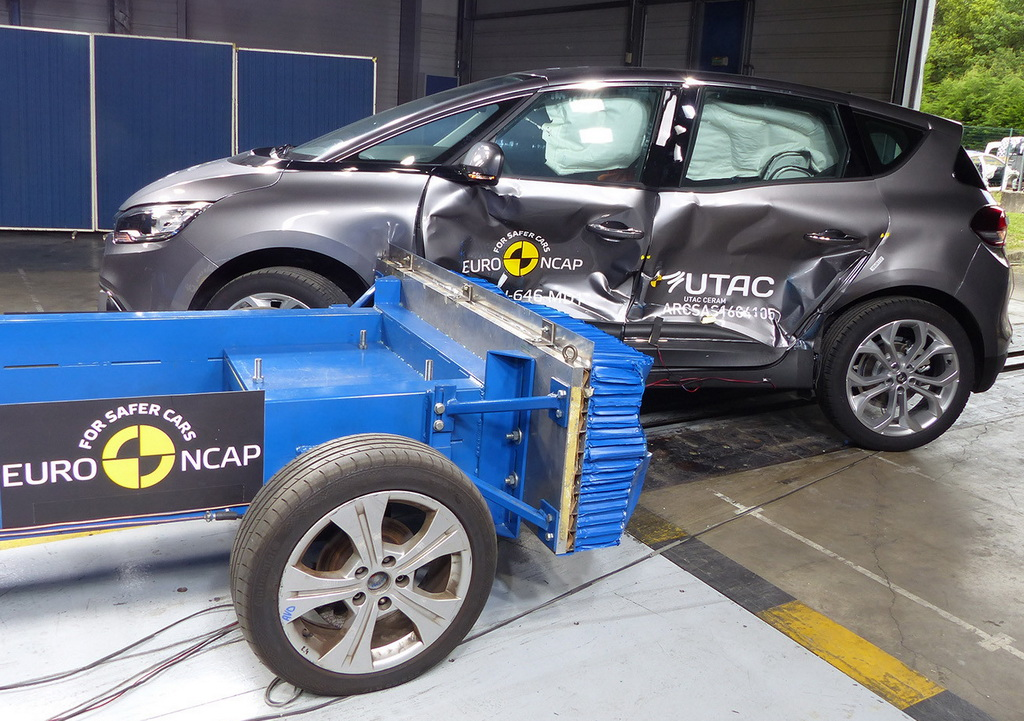 Новый Renault Scenic стал юбилейным победителем Euro NCAP
