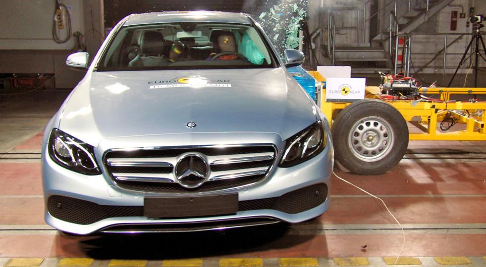Новые Mercedes-Benz E-Class и Peugeot 3008 прошли краш-тесты EuroNCAP
