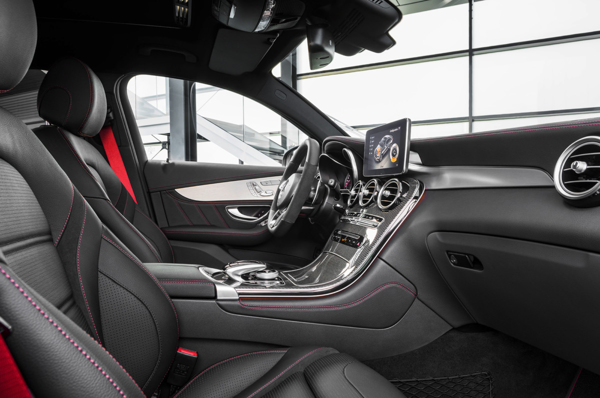 Mercedes-AMG GLC 43 Coupe interior