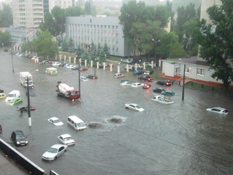 Потоп в Одессе. Машину тонут, пробки достигли 10 баллов