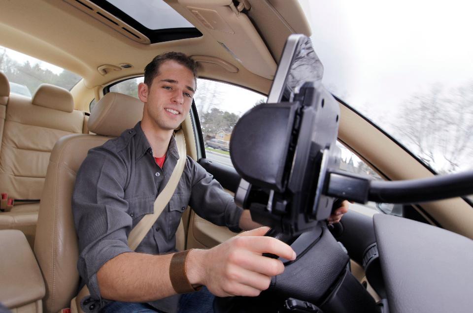 Google привлекает автомобилистов с помощью Waze Сarpool