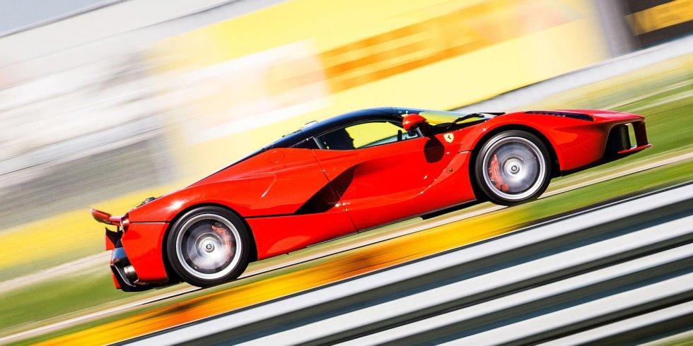 Жертвы землетрясения - Ferrari устроит благотворительный аукцион