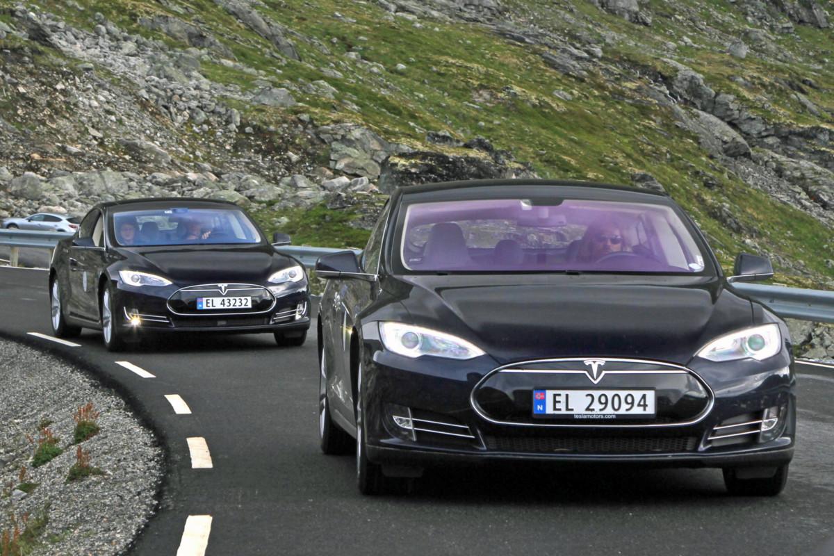 Реальная мощность электромобиля Tesla на 33% меньше заявленной?