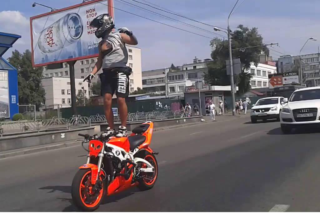 мотоциклисты распоясались