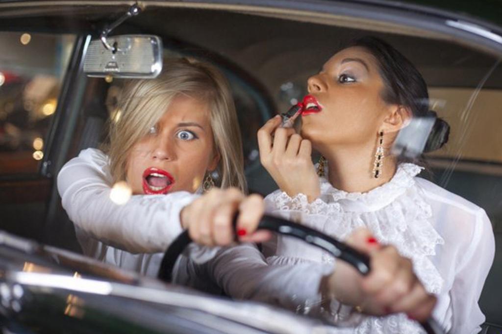 Чем чаще всего занимаются водители в пробках