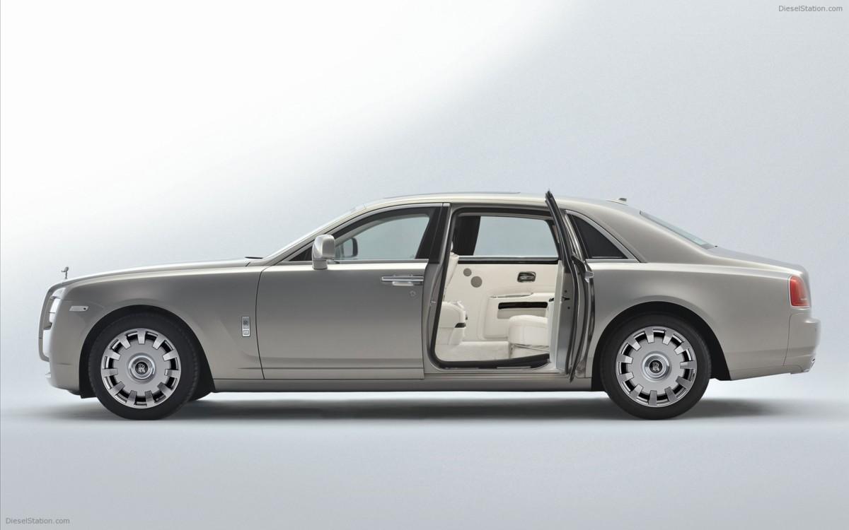 Самые дорогие машины мира - Rolls-Royce Ghost Extended Wheelbase
