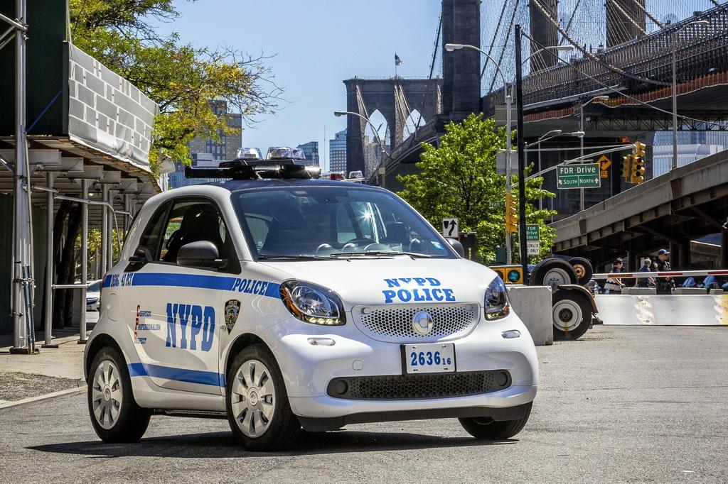 Милиция Нью-Йорка пересаживается на Смарт Fortwo