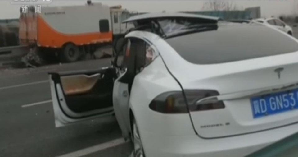 Автопилот Tesla вызвал еще одно смертельное ДТП?