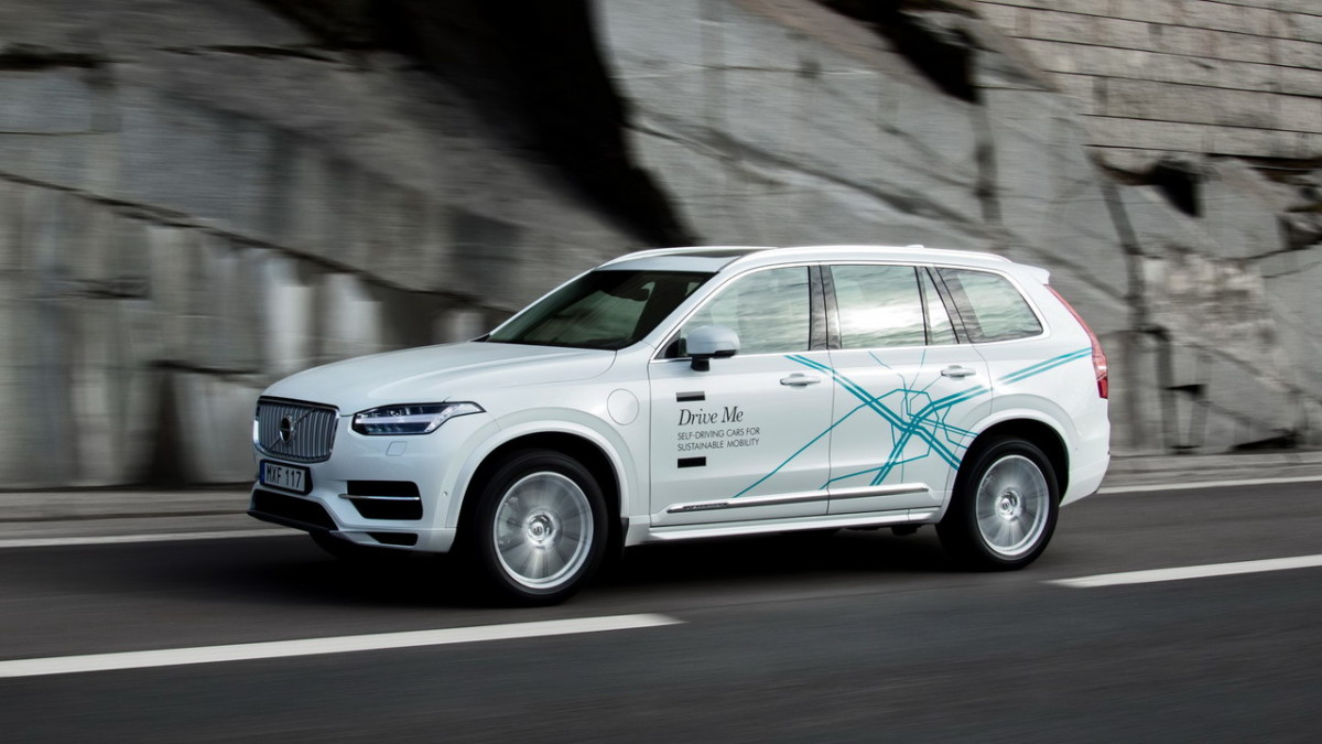 volvo_xc90_drive_me_test_vehicle-1