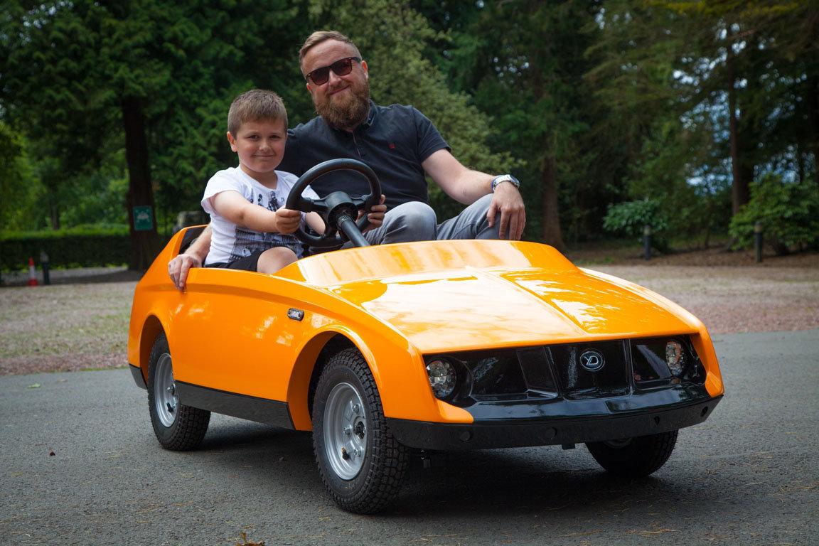 Firefly – учебный автомобиль для детской школы вождения