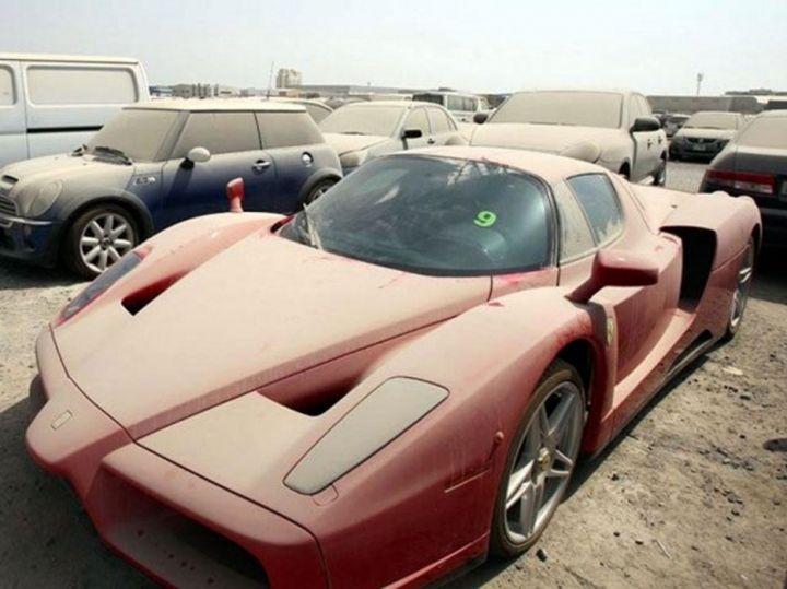 Ferrari Enzo - брошенные автомобили в Дубаи