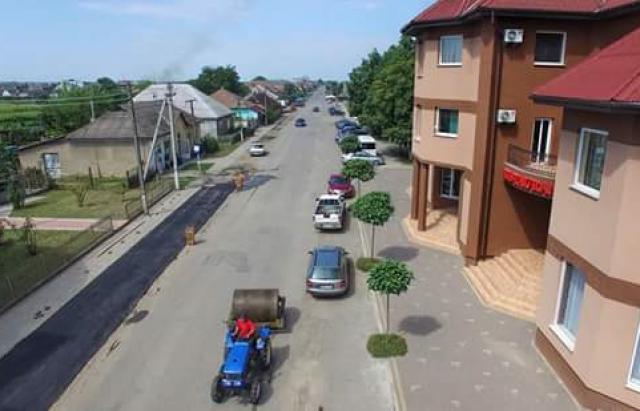 Дороги Украины - жители Закарпатья за неделю отремонтировали улицу