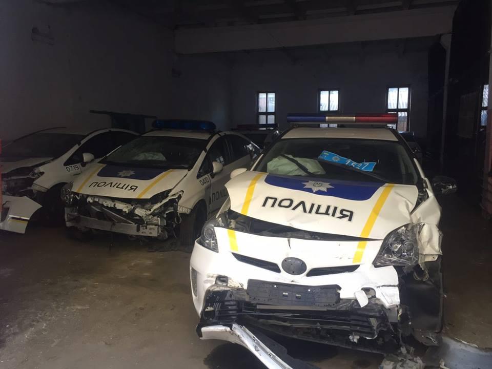 Куда пропадают разбитые Приусы полиции – фото с кладбища авто