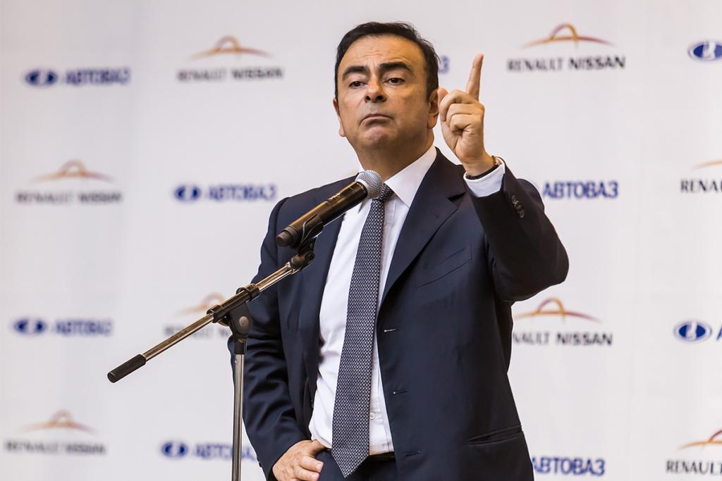 Глава Renault-Nissan будет руководить Mitsubishi с декабря