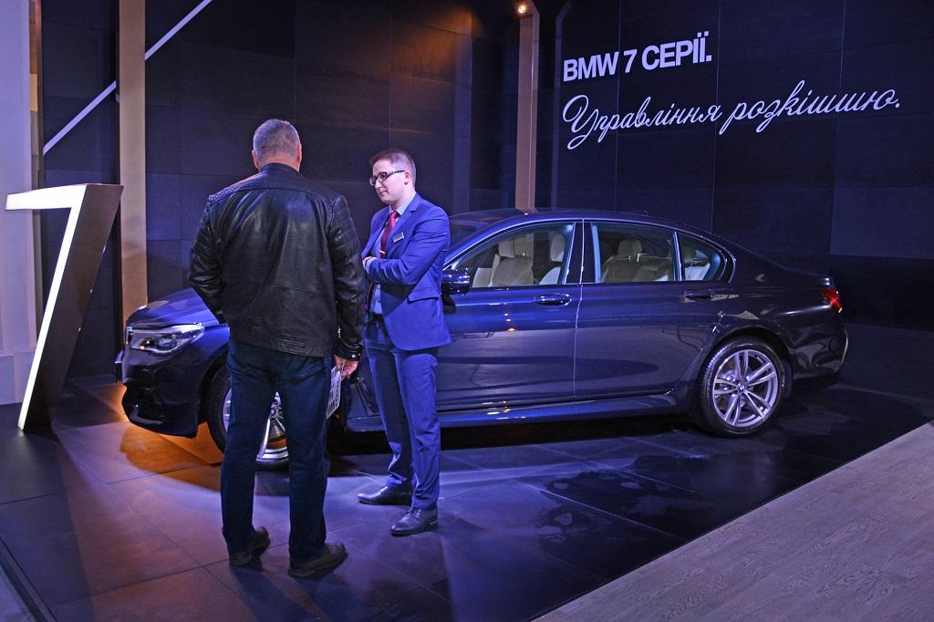 BMW - официальный автомобиль недели прет-а-порте Ukrainian Fashion Week