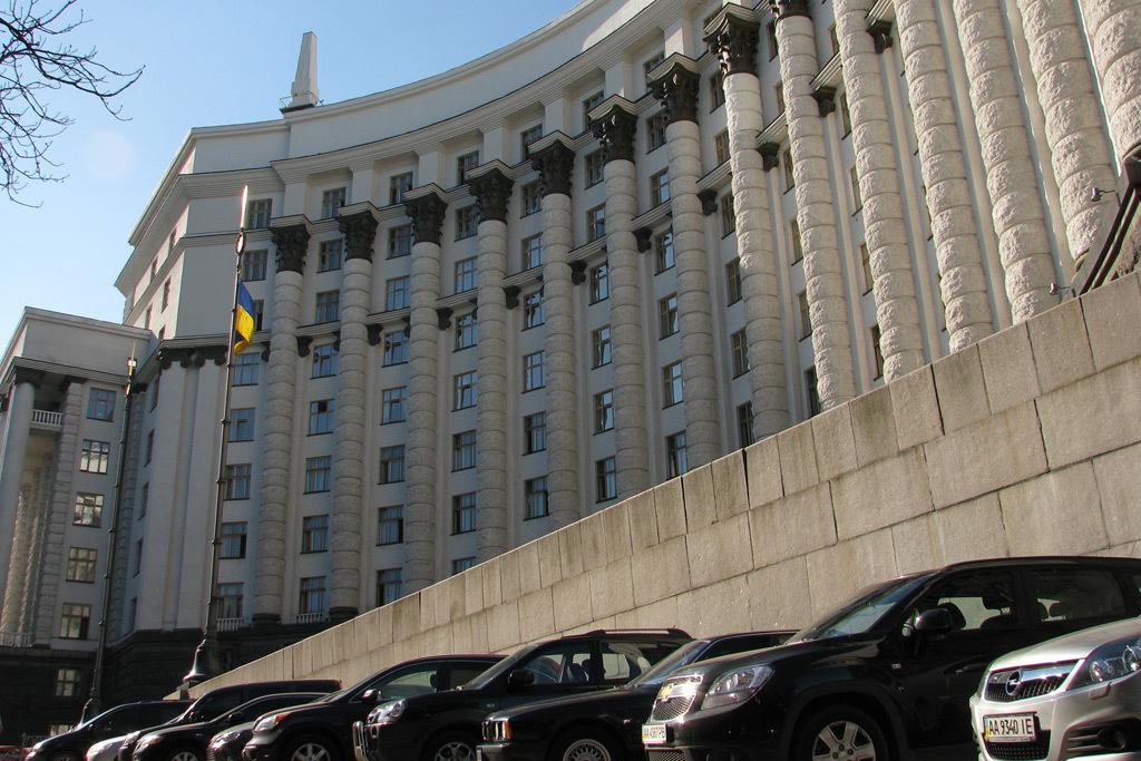 Порошенко обнародовал декларацию: $26 млн насчету вбанке