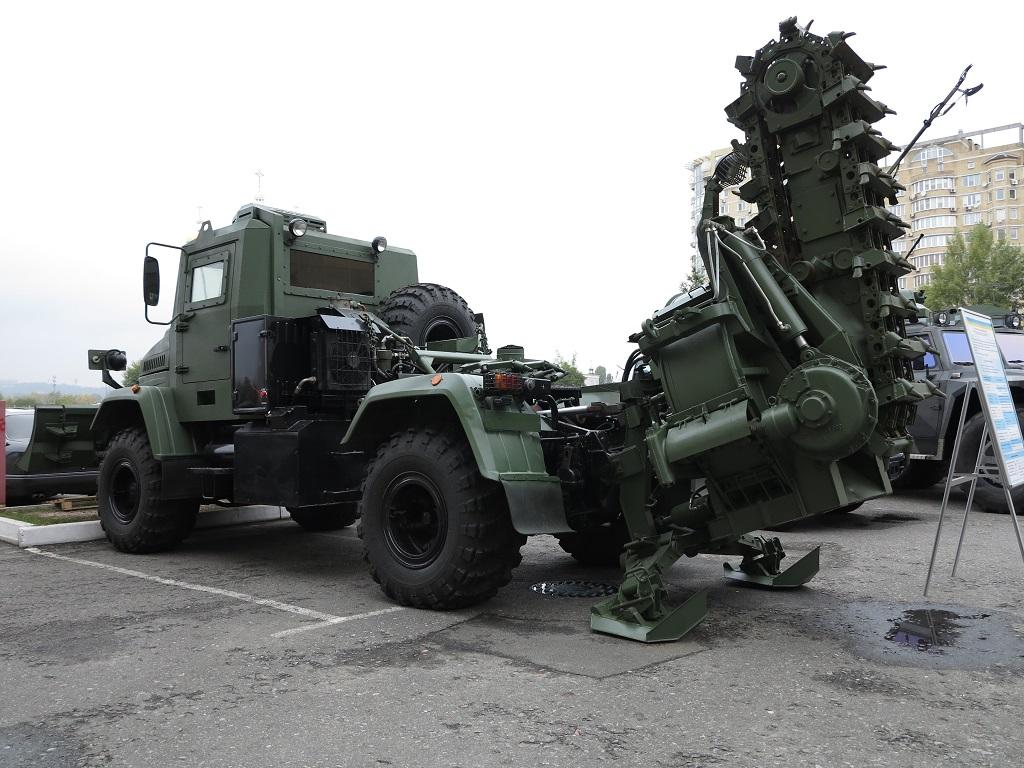 полковая землеройная машина ПЗМ-3-01