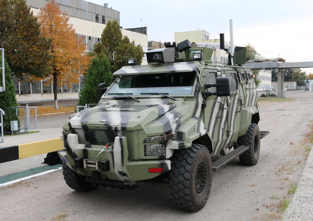 КрАЗ испытал беспилотный бронеавтомобиль