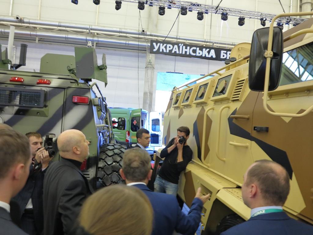 Бронеавтомобиль Hulk высоко оценил председатель СНБО Украины Александр Турчинов