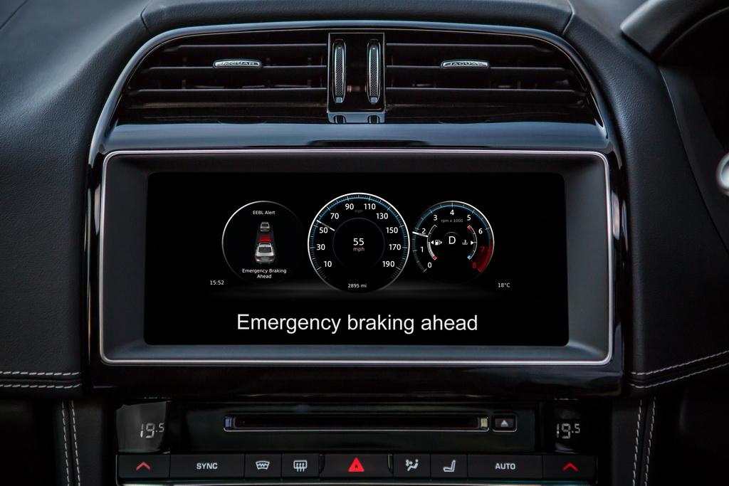 JAGUAR LAND ROVER DRIVES FORWARD CONNECTED AND AUTONOMOUS VEHICLE TECHNOLOGIES