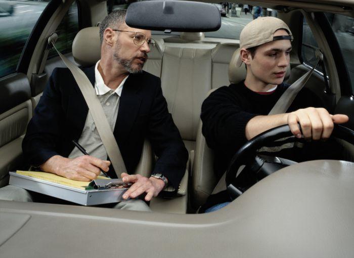 Обучение вождению. Сравнение автошкол Украины и США