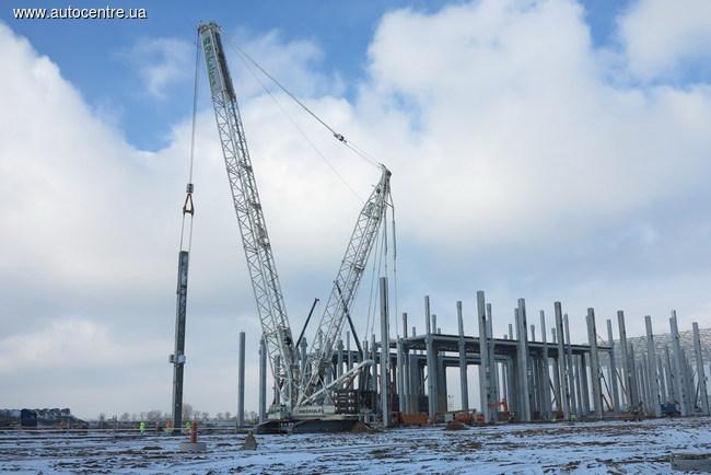На строительстве завода во Вжешне