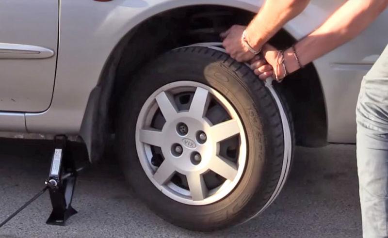 Как завести автомобиль с помощью троса