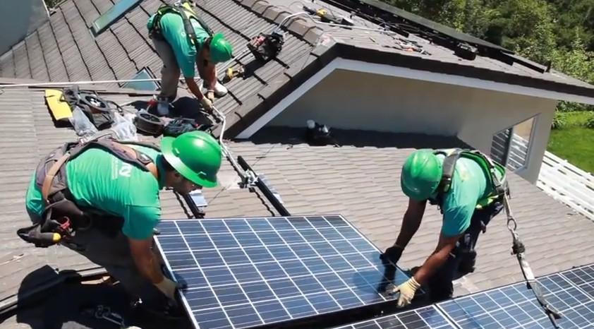 Tesla и Panasonic будут совместно выпускать солнечные батареи