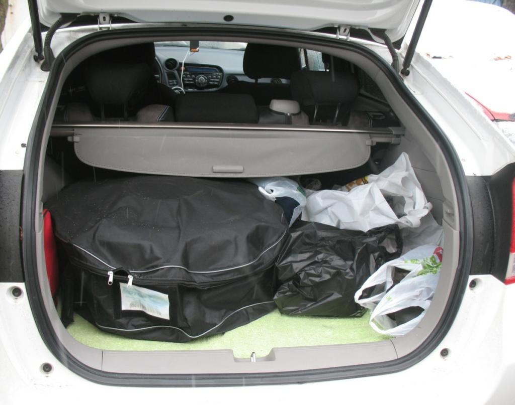 """В багажнике наличие ГБО в машине выдает только """"запаска"""", расположенная не в своей нише."""