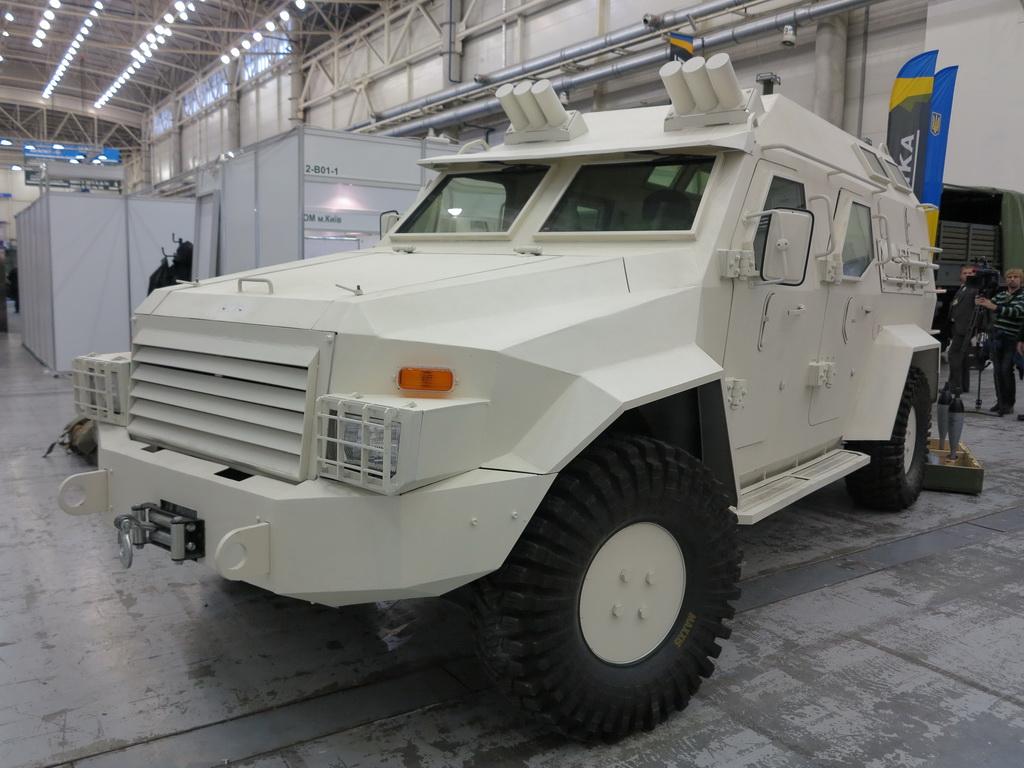 Бронеавтомобиль «Барс-8» примерил минометный комплекс