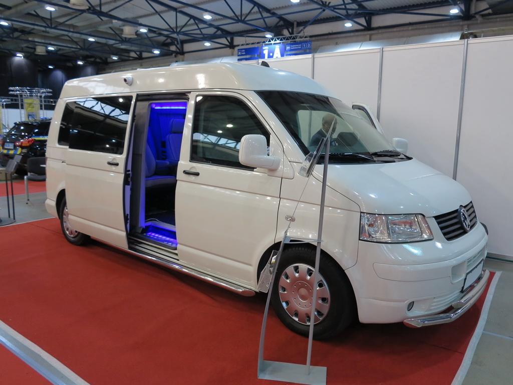 «Умный» бронеавтомобиль VIP-класса